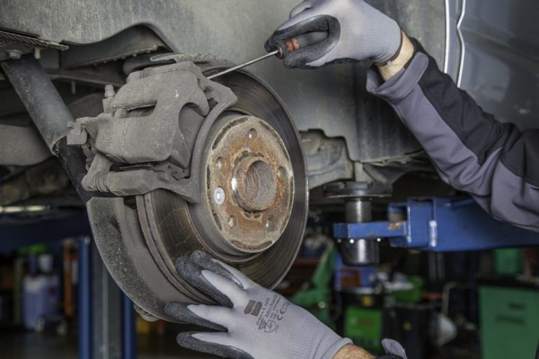 how to bleed brakes
