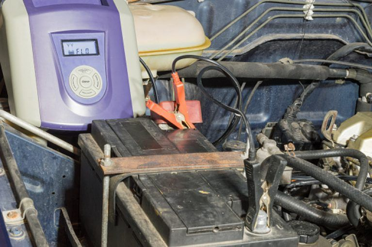 how long does it take to charge a car battery