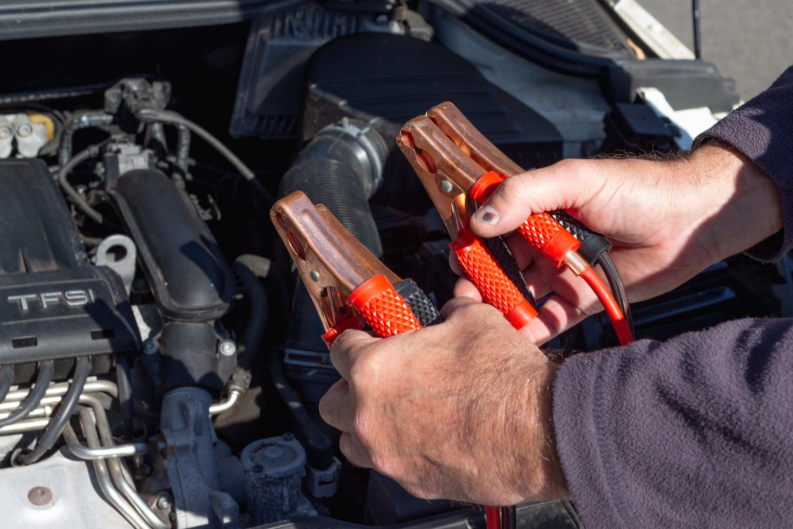 how long does a car battery last without driving