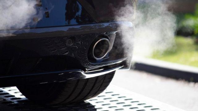 Hole in exhaust symptoms